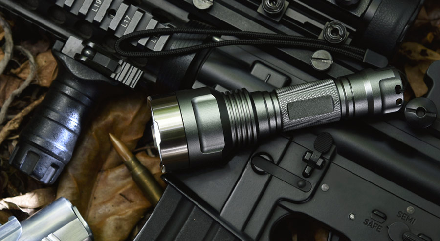 The 4 Best Coyote Hunting Lights on the Market in 2018